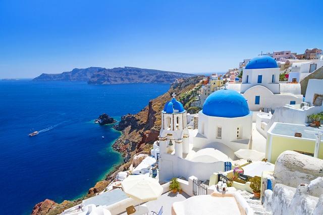 Construções e mar da Grécia