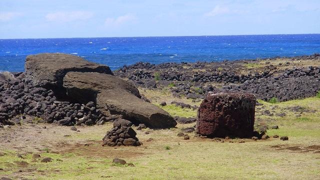 Moai deitado